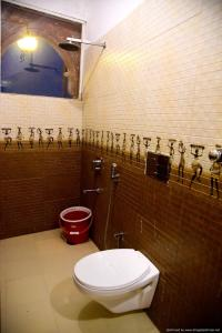 A bathroom at Castle View Home stay
