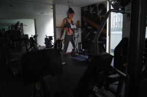 The fitness centre and/or fitness facilities at Diana Aparment