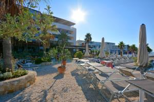 The swimming pool at or close to Hotel Gala Split