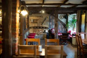 A restaurant or other place to eat at The Heath Inn