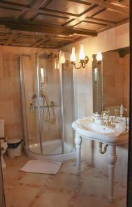 O baie la Hotel Medieval