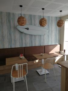 Ein Restaurant oder anderes Speiselokal in der Unterkunft A Torre do Lago