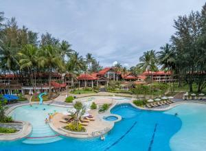 Vaade basseinile majutusasutuses Dusit Thani Laguna Phuket või selle lähedal