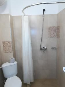 A bathroom at Guest House Edelweiss