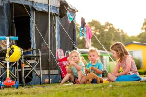 Children staying at BIG4 Traralgon Park Lane Holiday Park