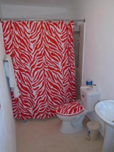 A bathroom at Guesthouse Villa La Isla
