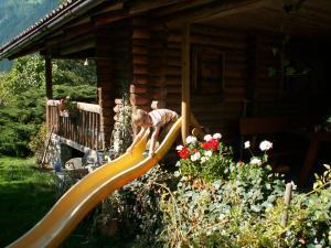 Ein Kinderspielbereich in der Unterkunft Landhaus Tyrol