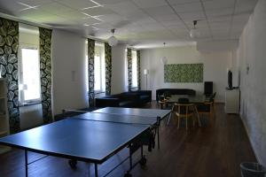Ping-pong facilities at Sidsjö Hotell & Konferens or nearby