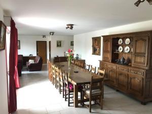 Restaurant ou autre lieu de restauration dans l'établissement Gîte du verger