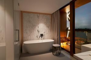 Ein Badezimmer in der Unterkunft Hotel Jakarta Amsterdam