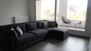 A seating area at Nieuw 2 Slaapkamer Appartement van 90 m²