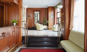 The lobby or reception area at Living Hotel Berlin Mitte