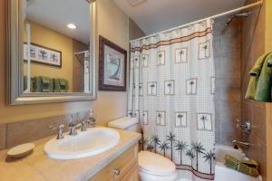 A bathroom at Portofino #1103