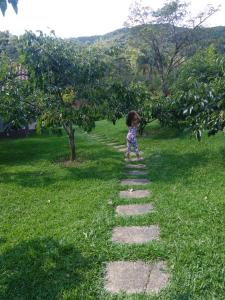 Children staying at Pousada Recanto dos Pinheiros