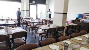 Ресторан / где поесть в Hotel Legend Inn