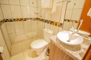 A bathroom at TaguaPark Hotel
