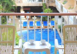 A view of the pool at Baan Boa Resort or nearby
