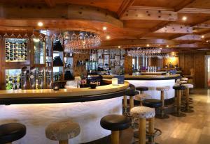 Lounge oder Bar in der Unterkunft JUFA Alpenhotel Saalbach