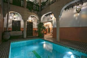 The swimming pool at or close to Riad Itrane