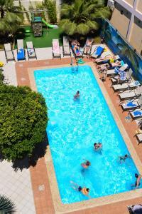 Вид на бассейн в Амран или окрестностях