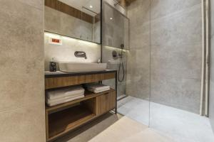 A bathroom at Dežman Luxury Center