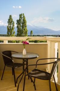 Ein Balkon oder eine Terrasse in der Unterkunft Niriides Studios and Apartments