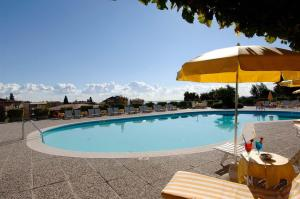 The swimming pool at or close to Hotel Garden