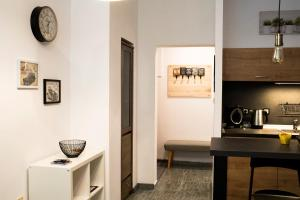 A kitchen or kitchenette at Check Point studio