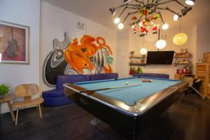 A pool table at Shanghai Chi Chen Boutique Hotel