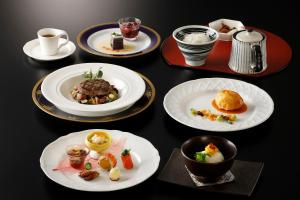 Breakfast options available to guests at Laforet Club Hakone Gora Yunosumika