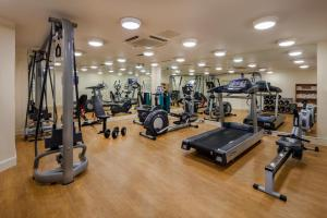 The fitness center and/or fitness facilities at Cassidys Hotel