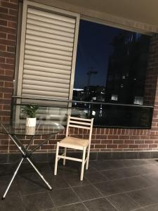 A balcony or terrace at Darling Harbour Studio