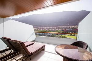 A balcony or terrace at Radisson Blu Resort & Spa, Gran Canaria Mogan