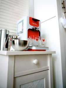 A kitchen or kitchenette at Studio Haarlem