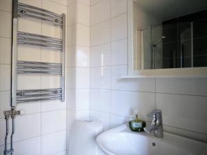 Ett badrum på Ödevata Gårdshotell