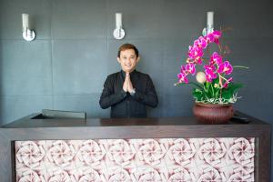 The lobby or reception area at Pongsakorn Boutique Resort