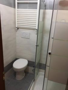 A bathroom at Hostel California