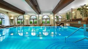 The swimming pool at or close to Grand Hotel Stamary