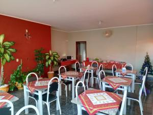A restaurant or other place to eat at Hotel Casa Grande