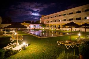 Piscine de l'établissement Hotel Dom Fernando ou située à proximité
