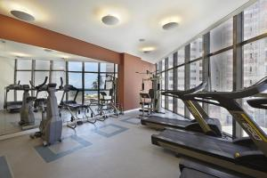 The fitness centre and/or fitness facilities at Beach Class International - Flat