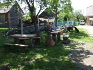A garden outside Fazekas Vendégház és Kemping