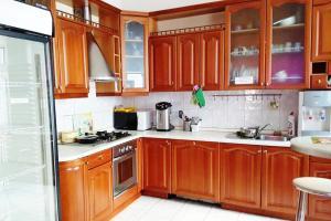 Кухня или мини-кухня в Avord Hostel