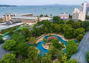 Een luchtfoto van The Green Park Resort