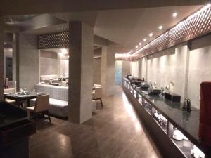 En restaurant eller et andet spisested på Sinclairs Bayview