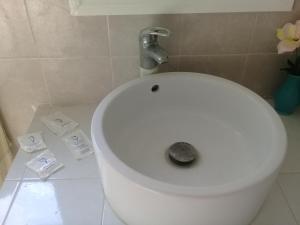 A bathroom at Casa Frida Hotel y Spa by Rotamundos