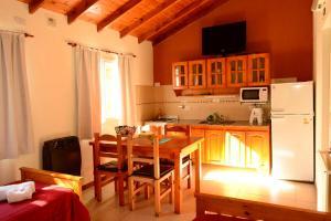 A kitchen or kitchenette at Corazon de Montaña
