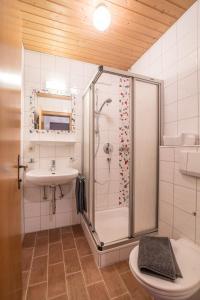 Ein Badezimmer in der Unterkunft Landhaus Linden