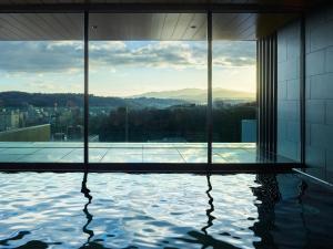 The swimming pool at or near Mitsui Garden Hotel Kanazawa