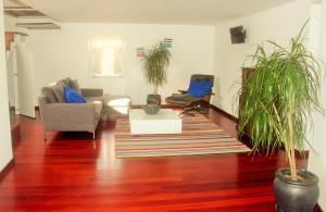The lobby or reception area at Tavira House